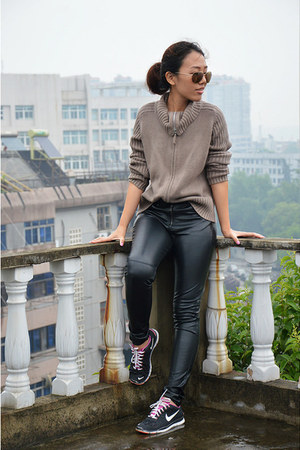 black leather pants H&M pants - light brown Marks & Spencer sweater