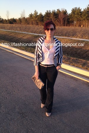 Gap jeans - Forever 21 blazer - Simply Vera by Vera Wang bag - George pumps