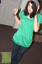 green dress - blue jeans - black accessories