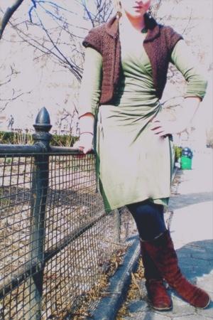 Gap sweater - Old Navy dress - Gem Story earrings - forever 21 leggings - Lands