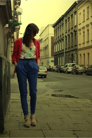 blue pants - coral jacket - camel wedges