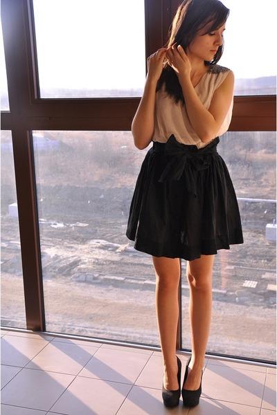 SH skirt