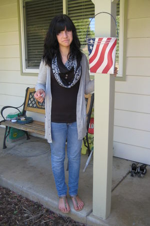 gray Target cardigan - blue Bullhead jeans - beige Forever 21 shoes - black free