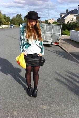 H&M skirt - DNA boots - H&M blazer - H&M t-shirt - Alexander Wang bag