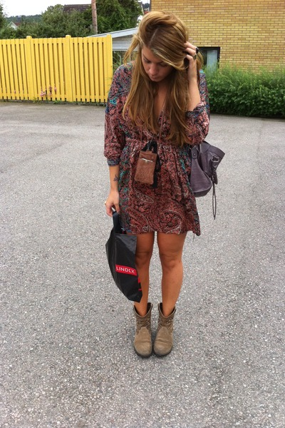 H&M dress - balenciaga bag - Nilson boots