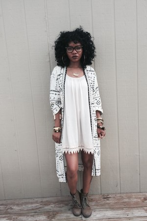 Forever 21 boots - Forever 21 dress - Forever 21 cardigan - Aldo accessories