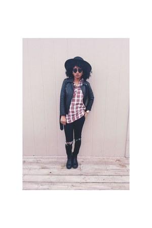 black boots - black Forever 21 coat - black jeans - black hat