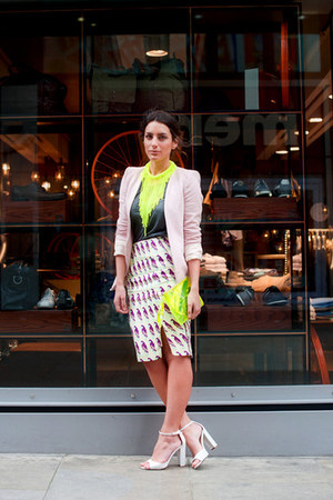 deep purple H&M Trend skirt - neutral Zara blazer - Kurt Geiger bag