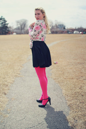 hot pink hot pink Betsey Johnson tights - bubble gum vintage blouse