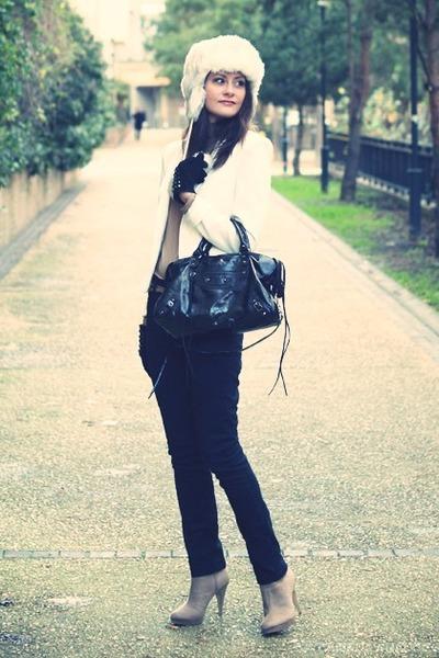 tan suede H&M boots - off white faux fur headict hat
