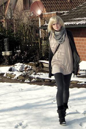 gray Zara cardigan - beige Zara top - silver H&M scarf - black Akira boots