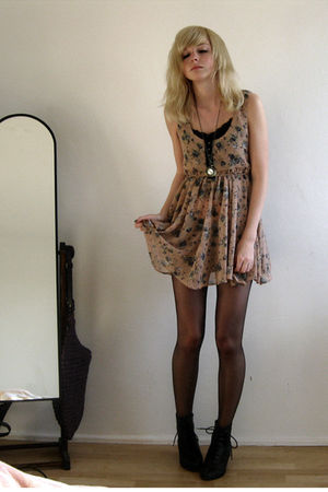 black Akira boots - beige Primark dress - beige new look necklace
