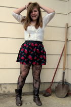 oldnavy blouse - urbanoutfitters tights - Forever21 boots - deb skirt - f21 neck
