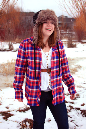 flannel Urban Outfitters shirt - navy fur American Eagle hat