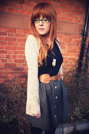 brown high waisted River Island skirt - light brown Miss Selfridge belt