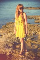 gold H&M dress - brown Topshop shoes - gold River Island necklace