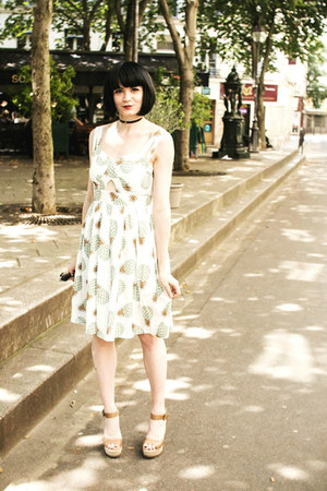 white GAMISS dress - black GAMISS necklace