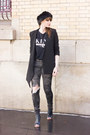 Black-timberland-boots-black-front-row-shop-jacket-off-white-newlook-vest