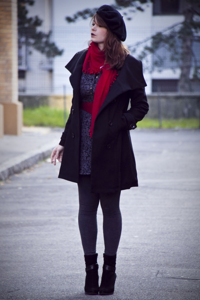 black H&M coat - red vintage belt - red H&M scarf - gray H&M leggings - gray no