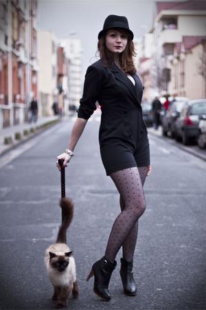 black vintage vest - black ANDRE shoes