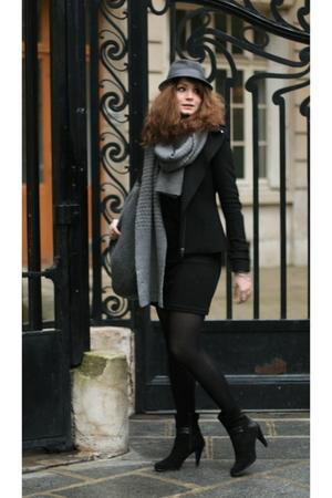 black ANDRE shoes - black no brand dress - gray H&M hat - black Zara vest