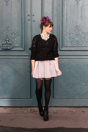 black Derhy sweater