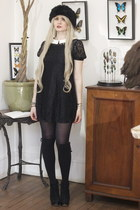 cream blond wig Makibadi accessories