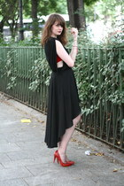 ruby red Noe heels - black romwe skirt