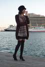 Black-pepe-jeans-dress-black-camilas-shoes-black-oysho-socks-purple-massim