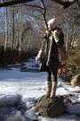 Cream-topshop-gloves-navy-h-m-dress-dark-brown-calzedonia-tights-dark-gree