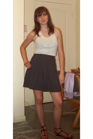 American Apparel top - vintage skirt - vintage necklace - Classified shoes - Zar