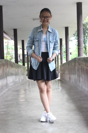 white reebok shoes - blue denim blazer - white top - black circle skirt skirt