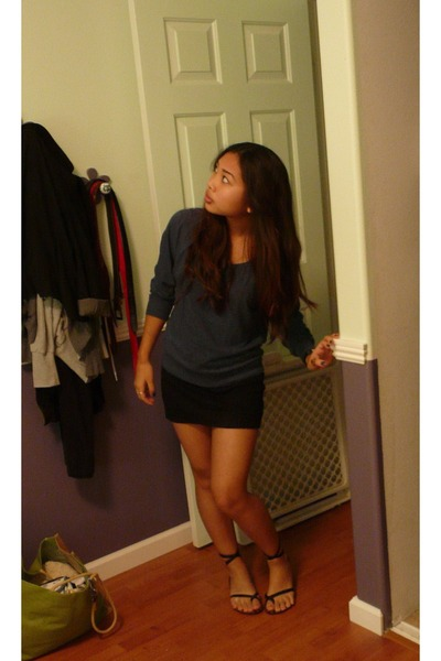 Aa Skirts, Pink Shirts, Volcom Sandals, Rings From AE & Icings