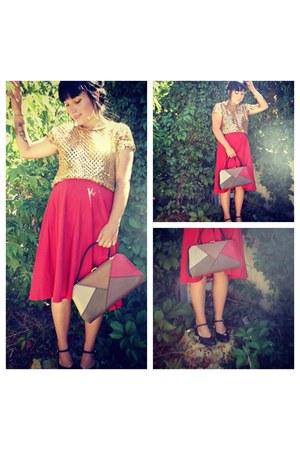 dark brown thirfted bag - black thirfted heels - gold thrifted top