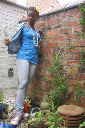 heather gray jeans - blue denim personalized jacket - blue shirt - bubble gum ca