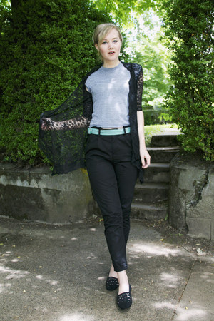 black lace Tea n Rose cardigan - heather gray cropped American Apparel t-shirt -