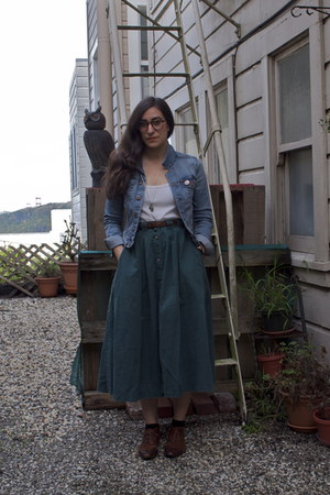 thrifted vintage skirt - thrifted vintage shoes - H&M jacket