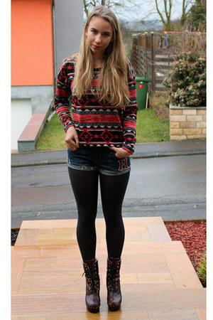 Forever21 jumper - hollister shorts