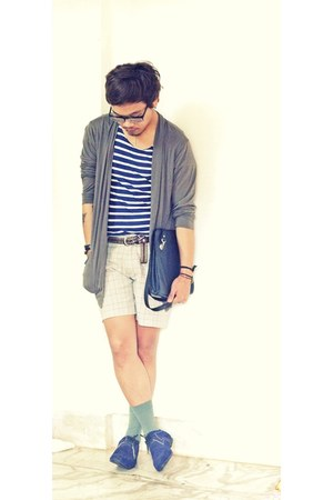 stripe shirt Topman shirt - lace up thrifted shoes - sling vintage bag