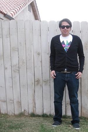 Sabre Vision sunglasses - Heritage 1981 shirt - American Eagle jeans - Vans shoe