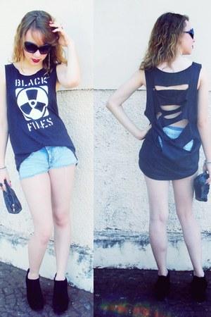 t-shirt - bag - shorts - sunglasses - ring - wedges