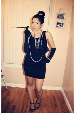black H&M shirt - black Forever 21 skirt - black Lulus heels