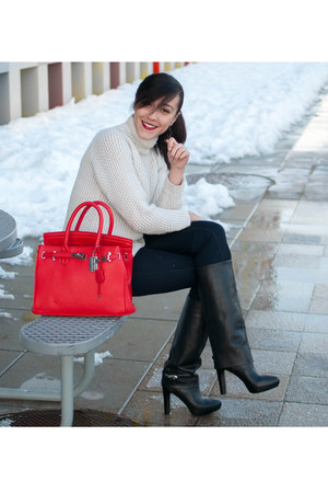 red MyBagnet bag - black Zara boots