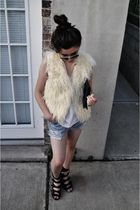 Forever 21 shoes - Forever 21 vest - Urban Outfitters shorts - DIY accessories