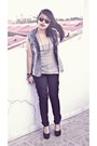 Blue-denim-topshop-vest-black-linex-pants-heather-gray-grainy-terranova-top