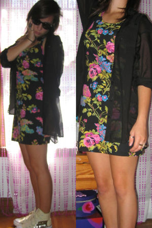 black H&M blouse - black Forever 21 dress - white Converse shoes - black Marc Ja