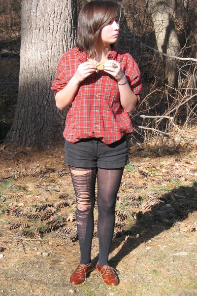 black Forever21 shorts - brown Steve Madden shoes - black tights - red vintage t