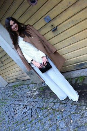 white Zara sweater - beige Max & Co jacket - leathet Zara bag - white Zara pants
