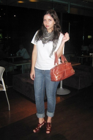 calvin klein t-shirt - scarf - Mango jeans - Nine West shoes