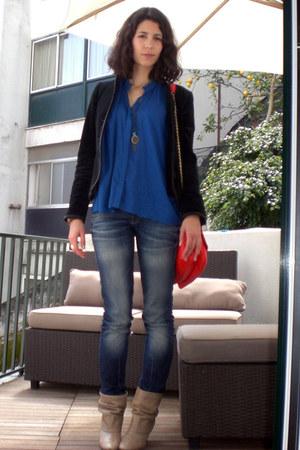 tan Zara boots - Pepe Jeans jeans - black Zara blazer - blue Zara shirt - red Za
